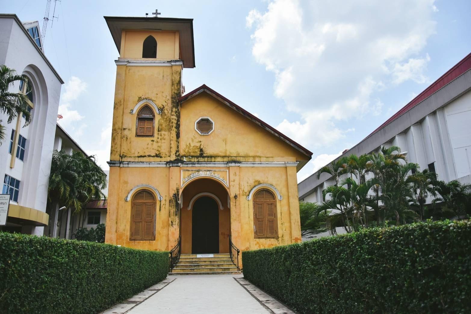 จุดปักหมุดเช็นอิน โบสถ์คริสตจักร ตรังมีสถาปัตยกรรมทีีสวยๆให้ชมเพียบ